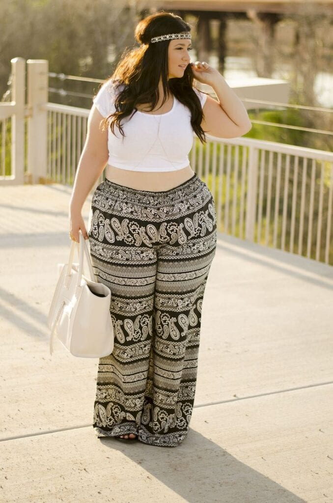 Boho-Bottoms-for-Oversized-Ladies-678x1024 How to Wear Hippie Pants for Women - 25 Outfit Ideas