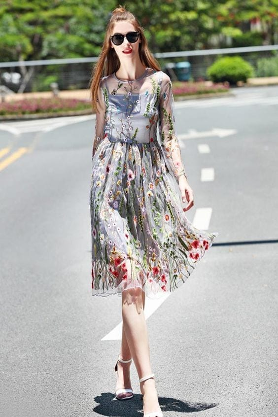 Novelty-Outfits-for-Prom Quirky Print Outfits– 20 Ideas to Wear Women's Quirky Prints