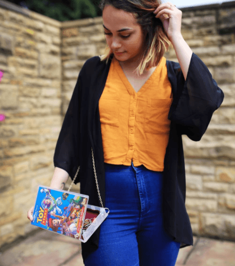 Why-Not-a-Novelty-Bag Quirky Print Outfits– 20 Ideas to Wear Women's Quirky Prints