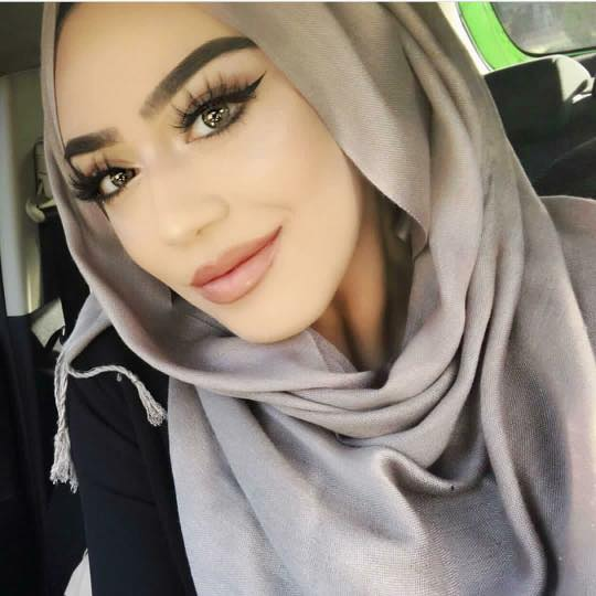 eye-makeup-with-hijab Simple Makeup with Hijab Tutorial and Hijab Makeup Tips