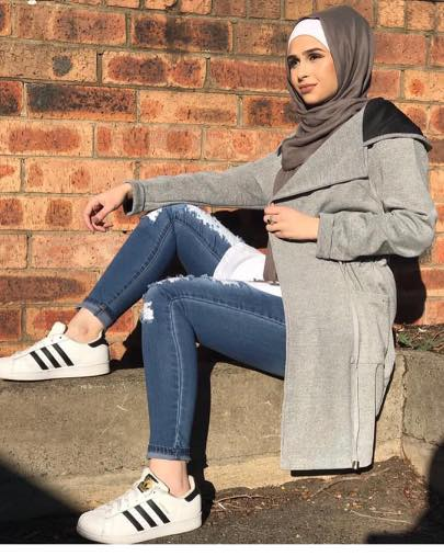 hijab-outfits-with-adidas-superstars 30 Cute Outfits with Adidas Shoes for Girls to try this Year