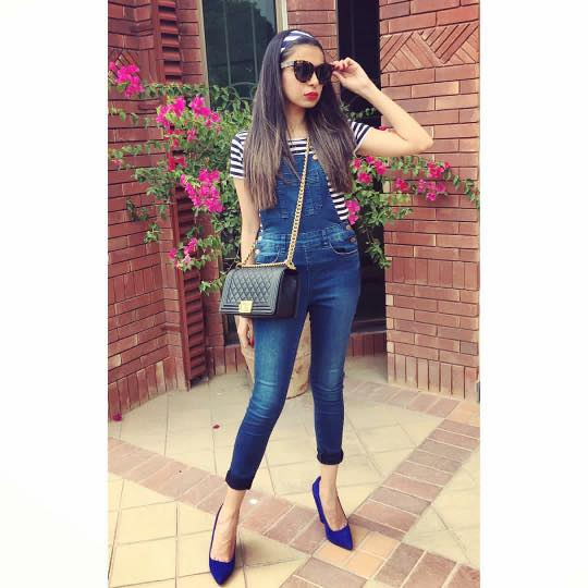 pakistani-outfits-with-jeans 32 Beautiful Denim Dress to Inspire your daily Fashion