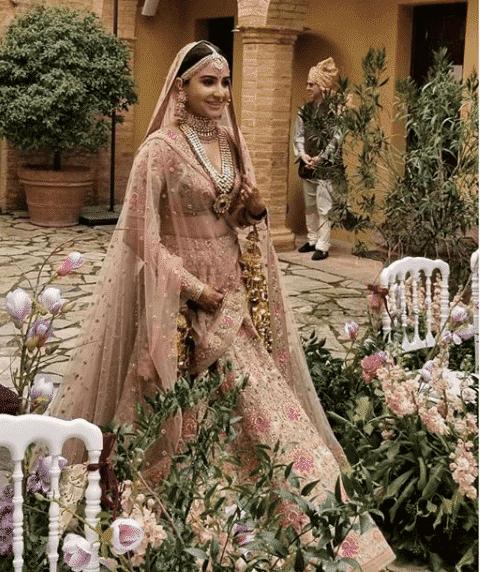 FireShot-Capture-16-Niche-Lifestyle®-@nichelifestyle_-https___www.instagram.com_p_BcmPsMXleBt_ Virat Anushka Wedding Pictures and Complete Movie