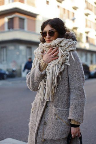 How-to-Style-a-Chunky-Winter-Scarf-333x500 Outfits with Scarves - 26 Ways to Wear a Scarf this Winter