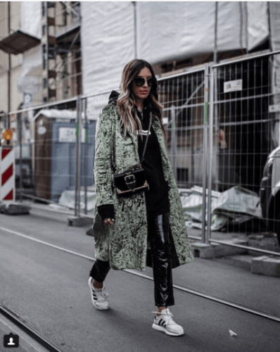 Huge-High-Fashion-Coats-398x500 Oversized Styles- 30 Ideas on How to Wear Oversized Clothes