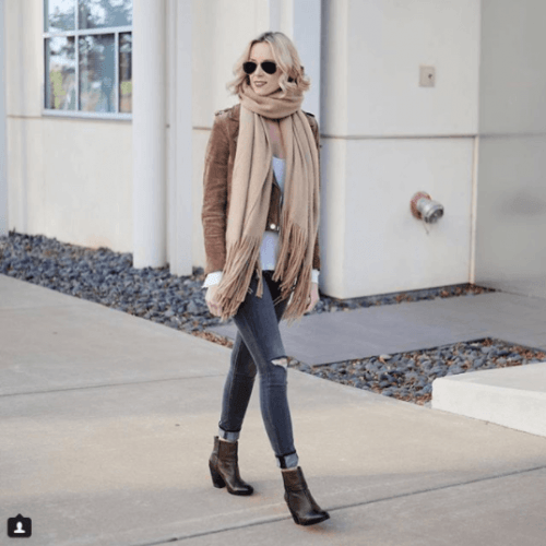 Long-Fringe-Scarves-in-Winter-500x500 Outfits with Scarves - 26 Ways to Wear a Scarf this Winter