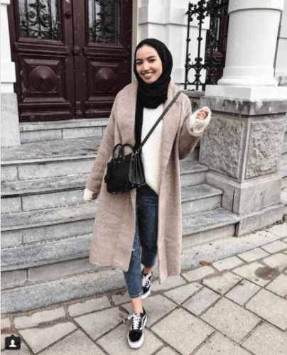 Oversized-Clothes-with-Hijab-404x500 Oversized Styles- 30 Ideas on How to Wear Oversized Clothes