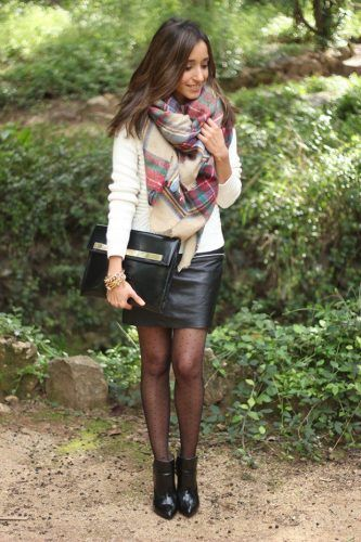 Scarves-for-Working-Women-333x500 Outfits with Scarves - 26 Ways to Wear a Scarf this Winter