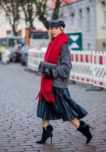 Wear-it-with-a-Cap-348x500 Outfits with Scarves - 26 Ways to Wear a Scarf this Winter