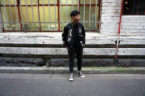 Biker-Look-with-Dark-Converse--500x333 28 Best Ideas on How to Wear Converse Shoes for Guys
