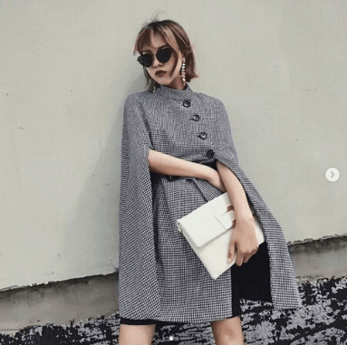 Capes-Look-Stunning-500x497 27 Best Winter Travel Outfits for Women Trending these Days