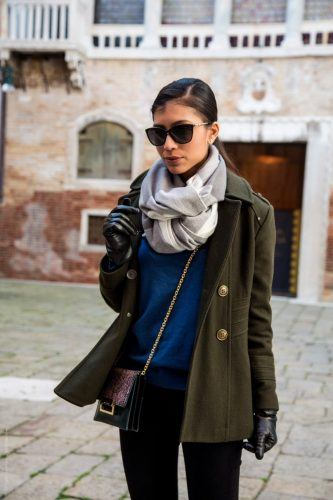 How-to-Highlight-Coats-333x500 27 Best Winter Travel Outfits for Women Trending these Days