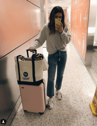 Minimal-Layering-Look-384x500 27 Best Winter Travel Outfits for Women Trending these Days