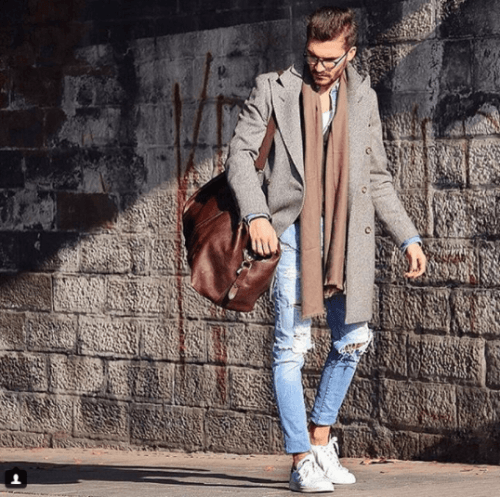 Travelling-Attire-and-Converse-Shoes-500x497 28 Best Ideas on How to Wear Converse Shoes for Guys
