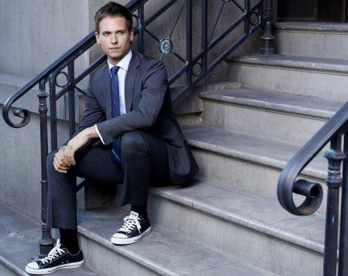 Wear-Converse-with-Suit-500x396 28 Best Ideas on How to Wear Converse Shoes for Guys