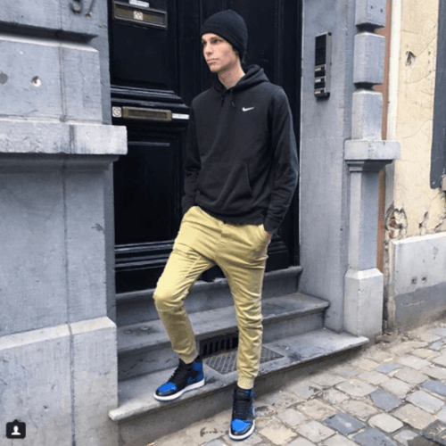Black-and-Blue-Joggers-with-Skinny-Khakis-500x500 12 Pro Tips for Men-How to Wear Black Shoes With Khaki Pants