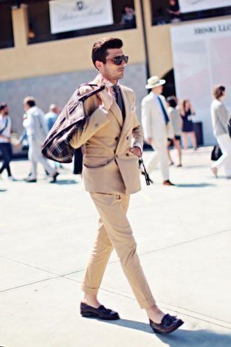How to Wear Double-Breasted Suits for Men (13)