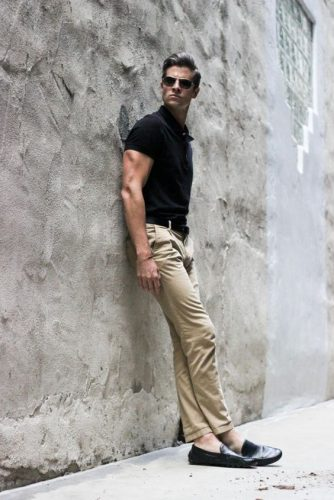 Khakis-and-Black-Shoes-in-Casual-Style-334x500 12 Pro Tips for Men-How to Wear Black Shoes With Khaki Pants