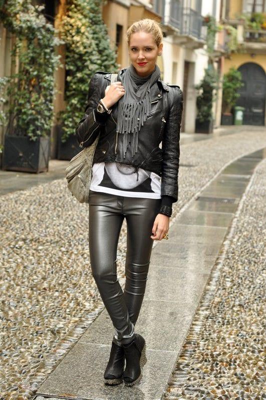 Women-Metallics7 26 Best Ideas on How To Wear Metallic Outfits For Girls