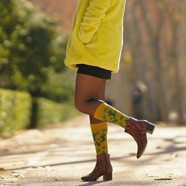 29416124_1578605905522095_932327143856144384_n-600x600 25 Ideas How to Wear Funky Colorful Socks for Women
