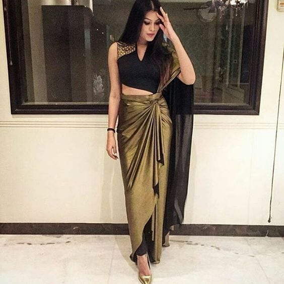 20-2 30 New Saree Blouse Designs 2018 You Must Try