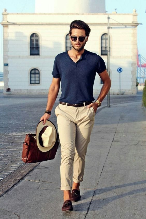 Khaki-Pants-on-the-Coastline 24 Best Boating Outfits for Men - How to Dress for Boat Trip