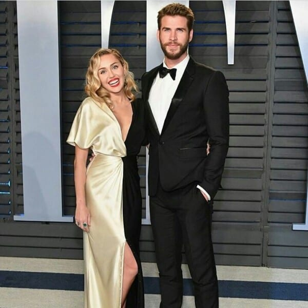 Miley-Cyrus-amd-Liam-Hemsworth-600x600 Celebrities Couples Matching Outfits–25 Couples Who Nailed It