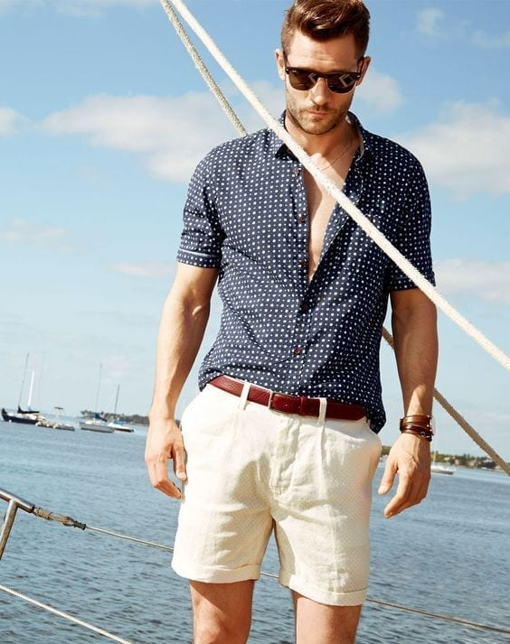 Printed-Shirts-for-Beach-Trip 24 Best Boating Outfits for Men - How to Dress for Boat Trip