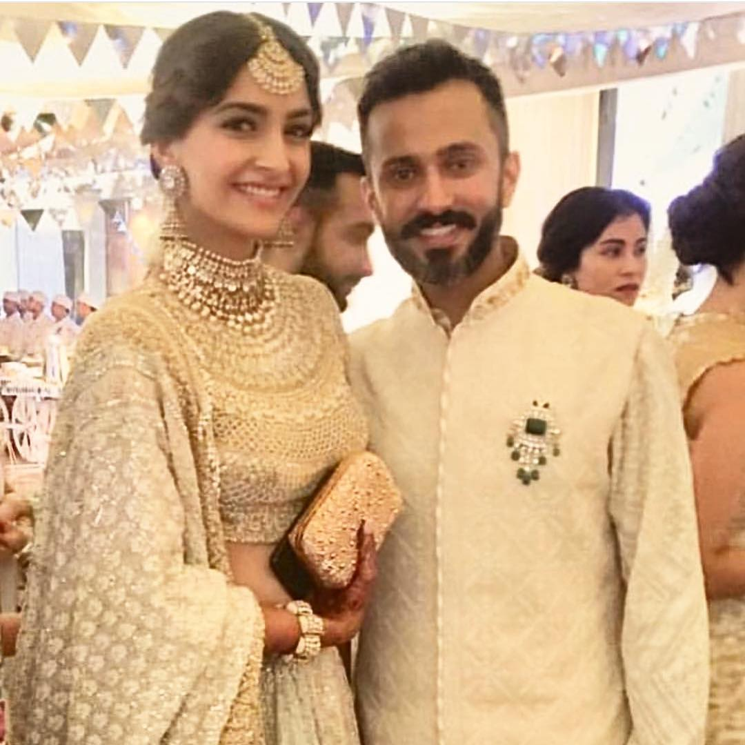 1-1 Sonam Kapoor Wedding Pics - Engagement and Complete Wedding Pictures