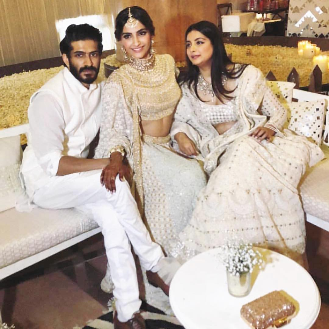 13-1 Sonam Kapoor Wedding Pics - Engagement and Complete Wedding Pictures