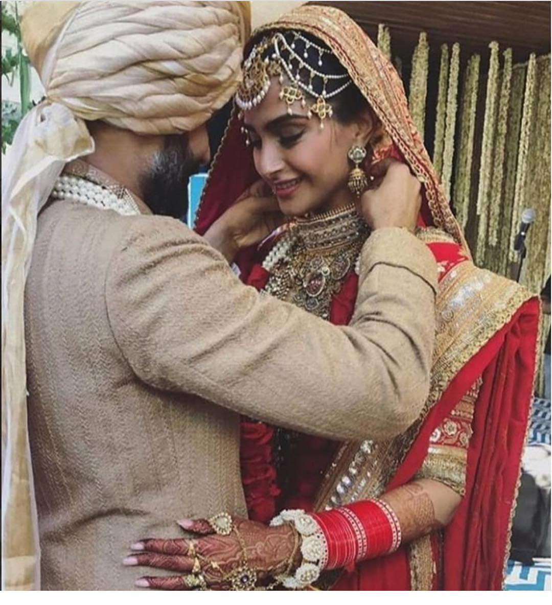 26-1 Sonam Kapoor Wedding Pics - Engagement and Complete Wedding Pictures