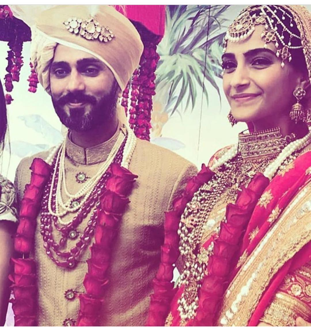 27-2 Sonam Kapoor Wedding Pics - Engagement and Complete Wedding Pictures