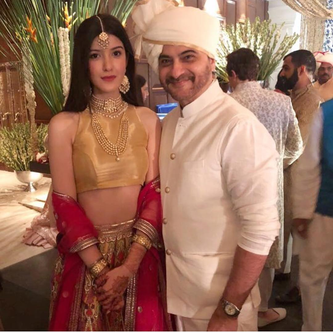 32-1 Sonam Kapoor Wedding Pics - Engagement and Complete Wedding Pictures