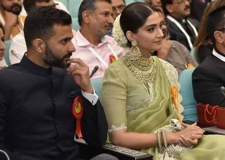 4-1 Sonam Kapoor Wedding Pics - Engagement and Complete Wedding Pictures