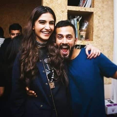 9 Sonam Kapoor Wedding Pics - Engagement and Complete Wedding Pictures