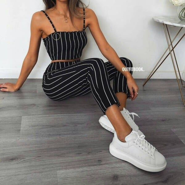 Black-and-white-stripes-600x600 25 Outfits to Wear With White Sneakers for Women