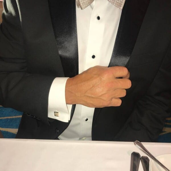 How-to-wear-cufflinks-with-a-black-tuxedo-600x600 How to Put on Cufflinks? 10 Simple Tips with Tutorial