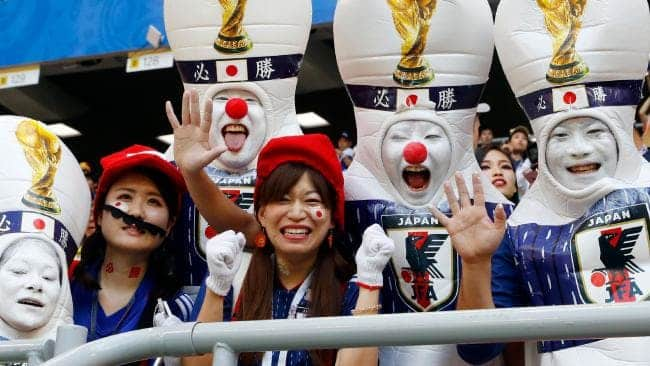 A-Lovely-Gesture-by-Japanese-Fans 20 Funniest FIFA World Cup Russia 2018 Outfits