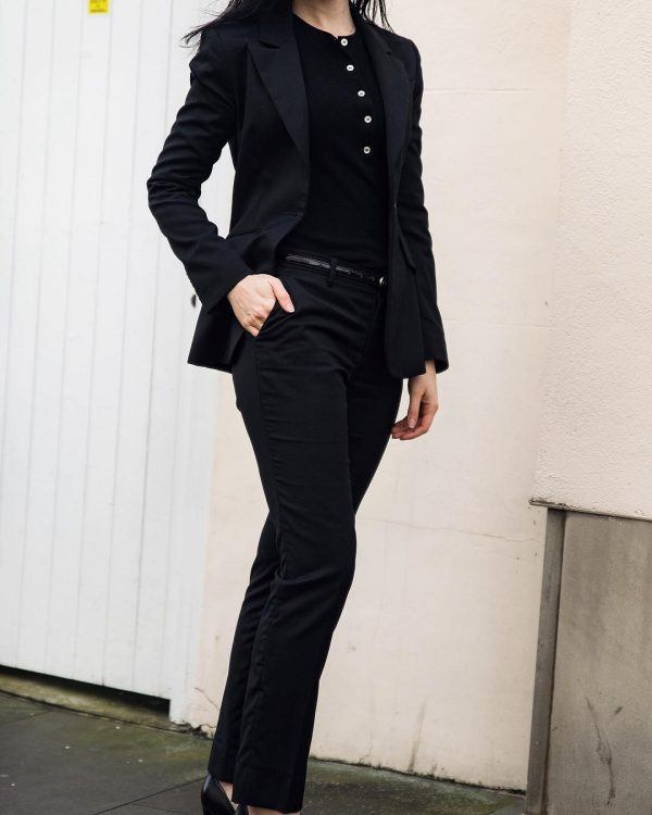 Black-pantsuit-600x750 30 Best Funeral Outfits for Teen Girls-What to Wear to Funeral