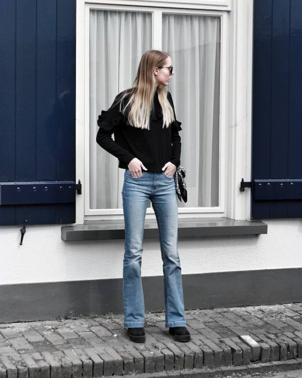 Bootcut-jeans-600x749 18 Outfits To Make Your Legs Look Thinner