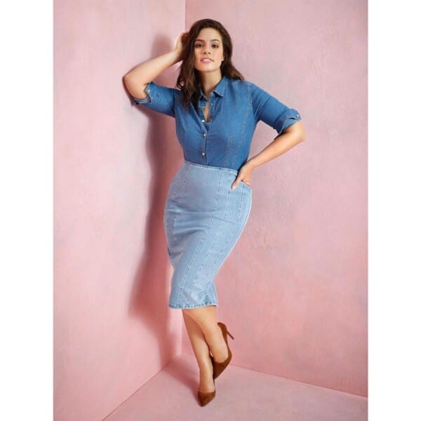 Denim-Skirts-600x600 21 Best Winter Jeans Outfits for Plus-Sized Women to Stay Cool and Chic