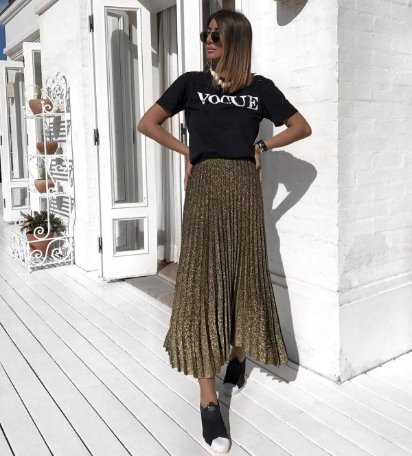 Flowy-skirts-600x664 18 Outfits To Make Your Legs Look Thinner