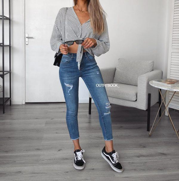 High-Waist-Jeans-600x606 18 Outfits To Make Your Legs Look Thinner