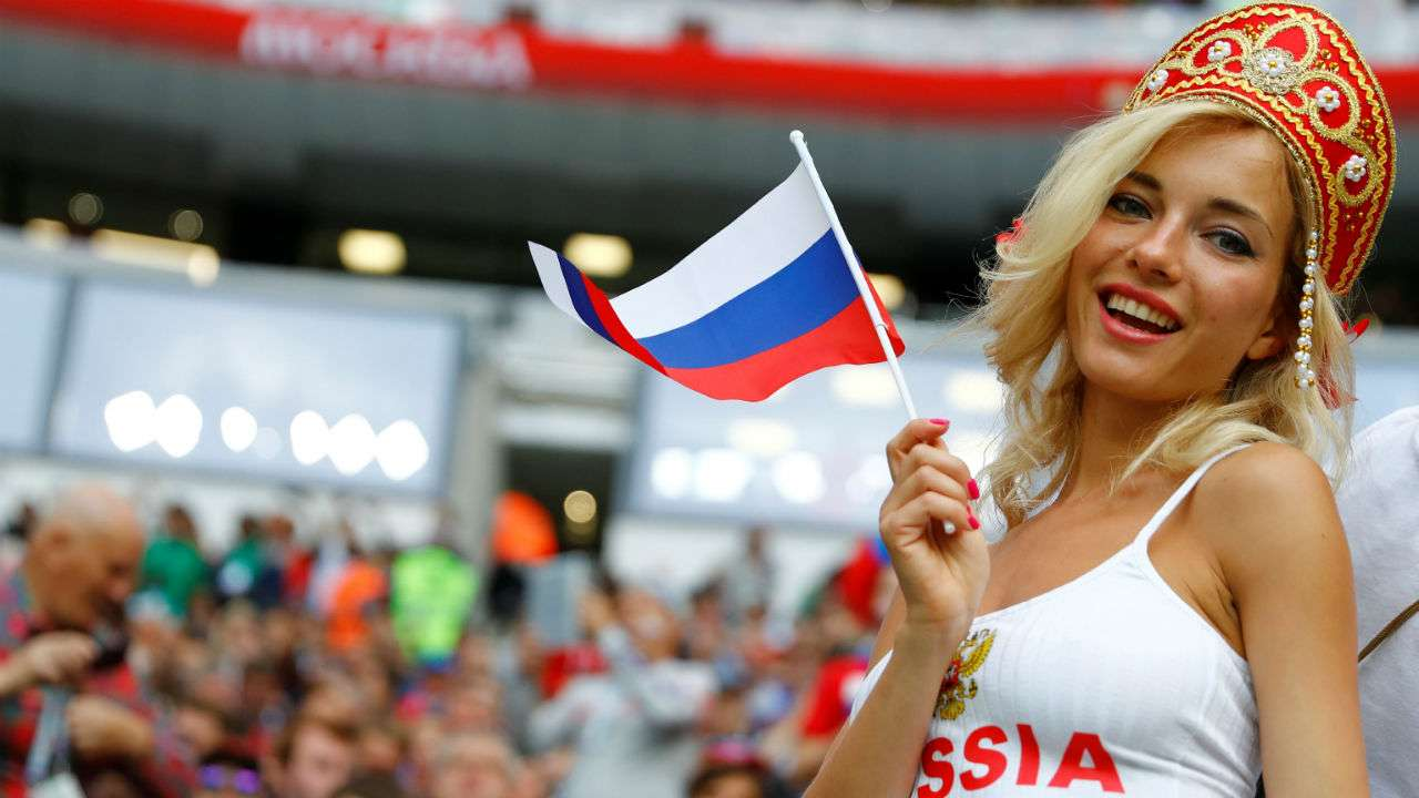 Russian-Fans-Unique-Attire 20 Funniest FIFA World Cup Russia 2018 Outfits