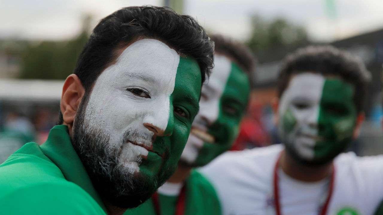 Saudi-Arabian-Fans 20 Funniest FIFA World Cup Russia 2018 Outfits