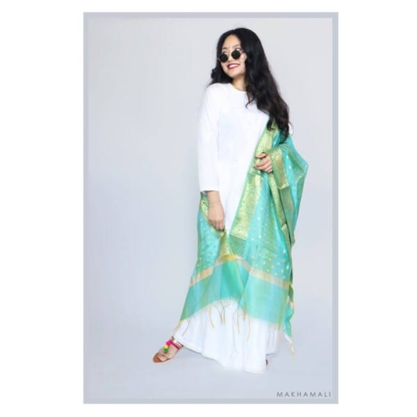 Shawls-and-Dupattas-600x600 30 Best Funeral Outfits for Teen Girls-What to Wear to Funeral