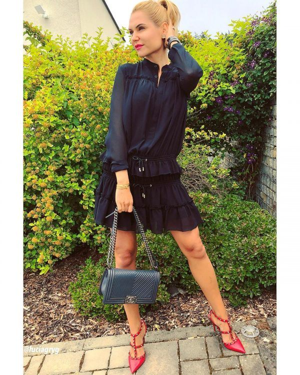Skirts-600x750 30 Best Funeral Outfits for Teen Girls-What to Wear to Funeral