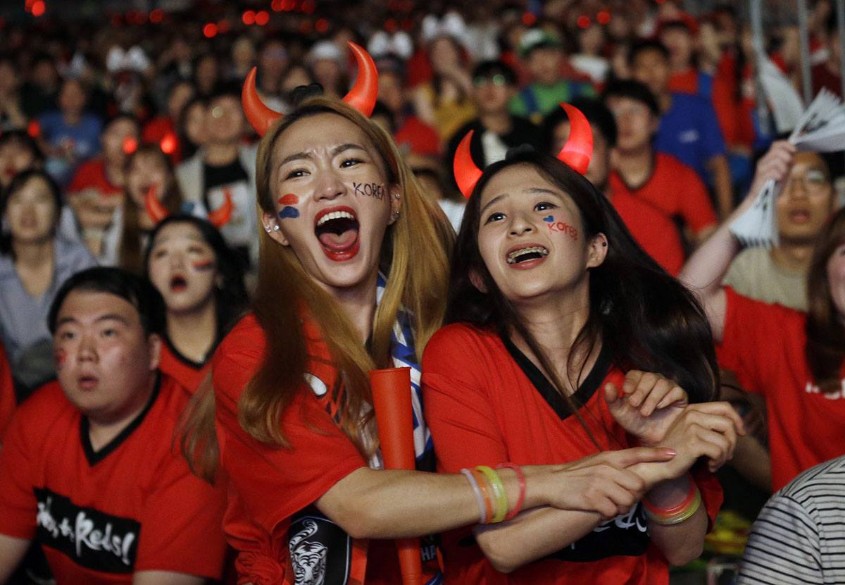South-Korean-Fans 20 Funniest FIFA World Cup Russia 2018 Outfits
