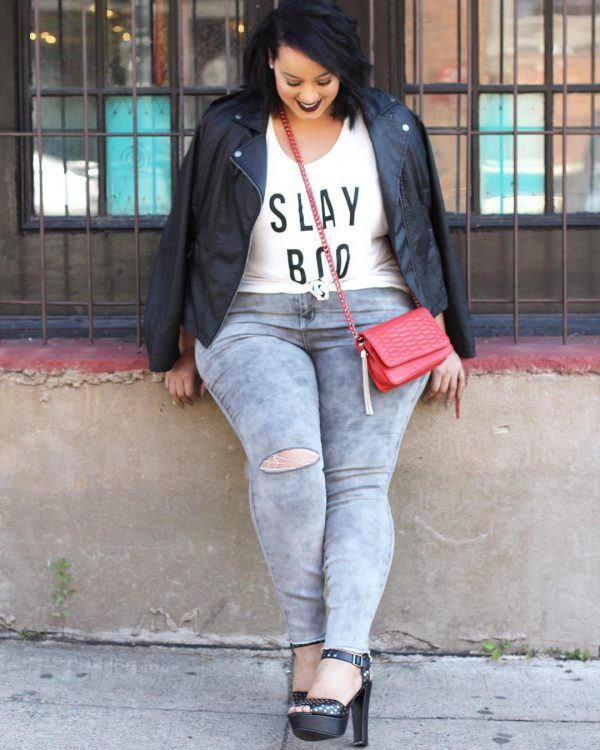 graphic-tshirt-600x750 21 Best Winter Jeans Outfits for Plus-Sized Women to Stay Cool and Chic