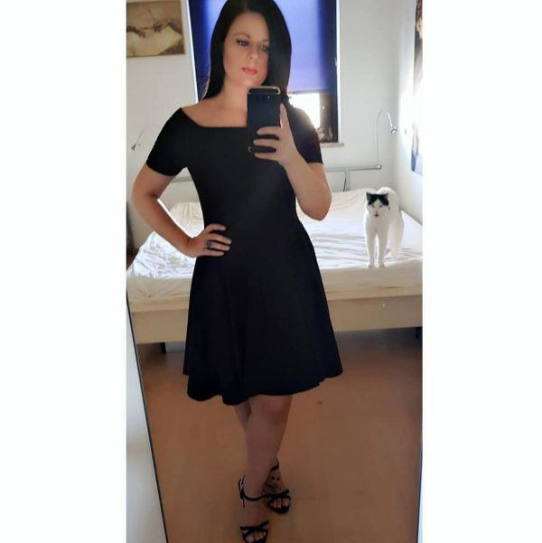 keep-shoulders-covered-600x601 30 Best Funeral Outfits for Teen Girls-What to Wear to Funeral